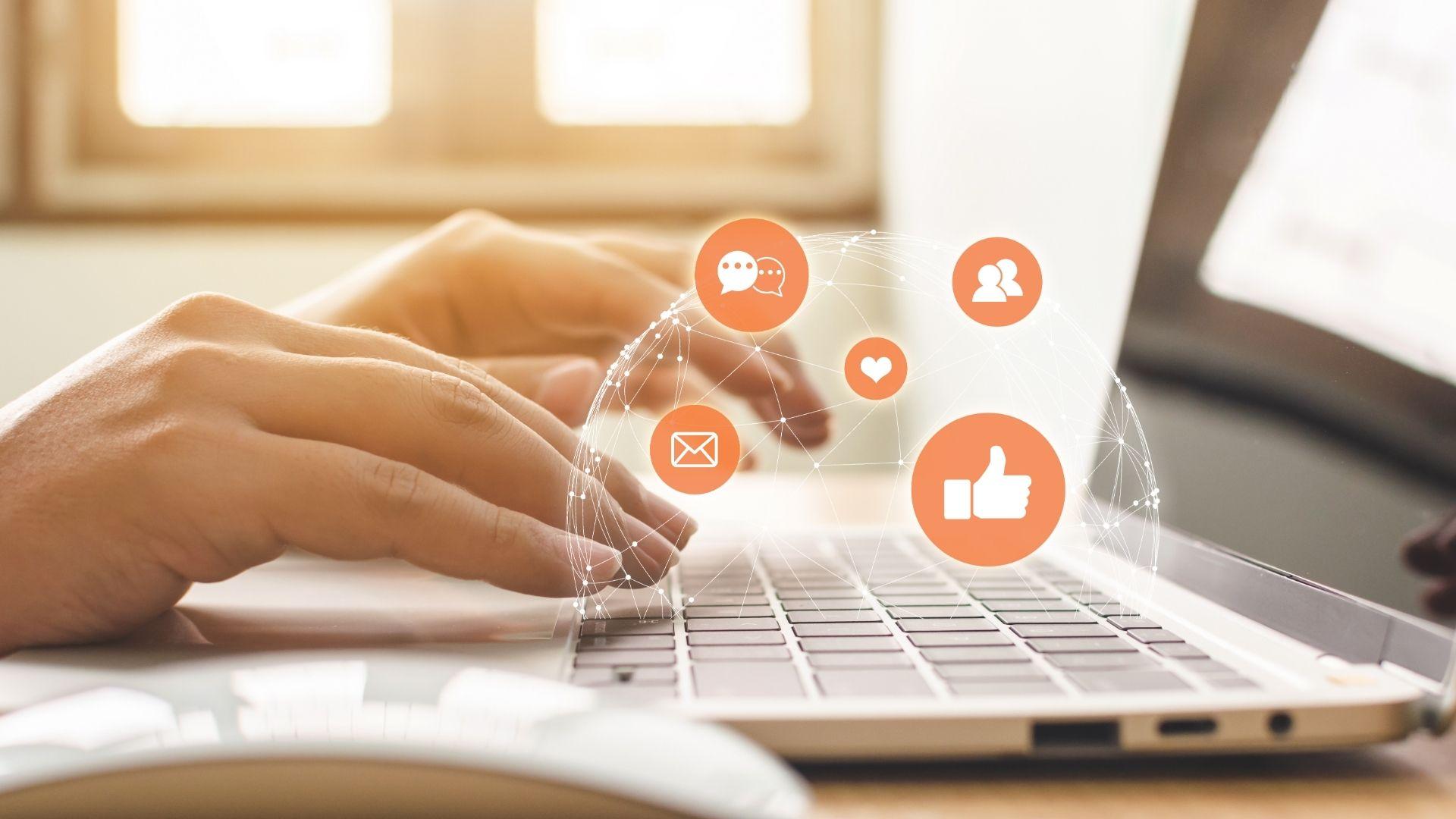 Webinaire : comment valoriser le patrimoine écrit sur les réseaux sociaux ?