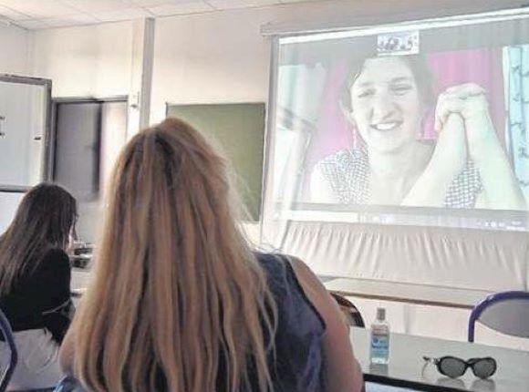 Dialogue ouvert entre Julie Ewa et les les étudiants du lycée de la Fontaine du Vé (Sézanne)