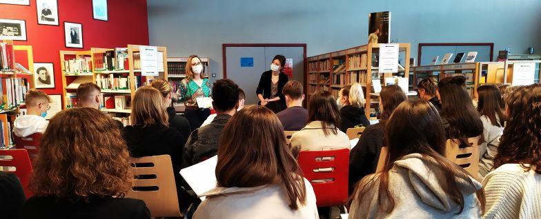 Julie Ewa rencontre au Lycée Yourcenar d'Erstein