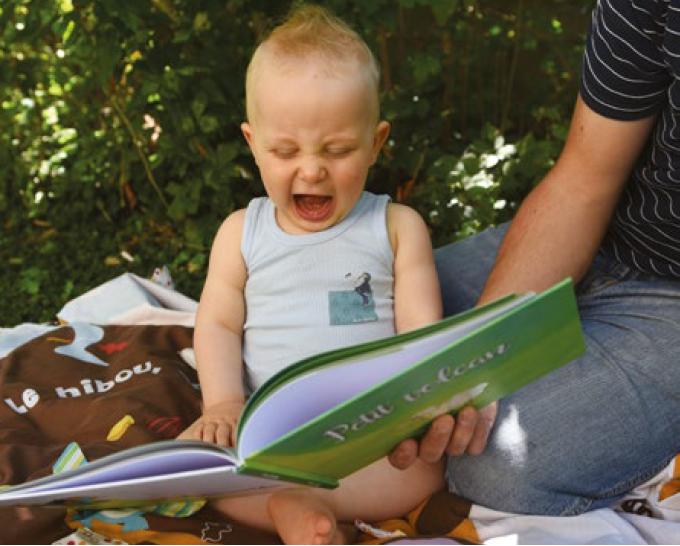 Ouvrez, ouvrez les livres aux bébés